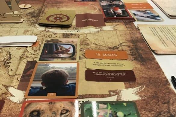 podróż bohatera 4 tile tile 585x390 - FOTOALBUM ZWARSZTATÓW